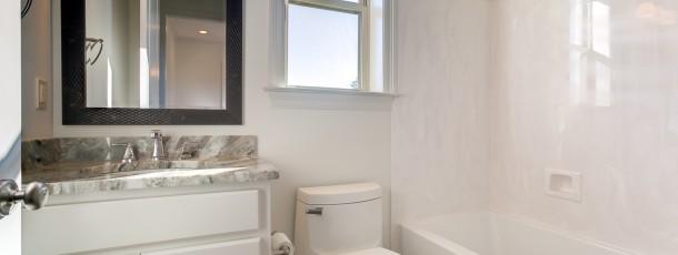 312 Steeplechase Bathroom